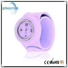 2015 new fashion charming waterproof silicone snap watches with slap on silicone watch and silicone watch slap