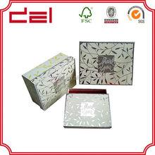 Elegant jewelry box with shiny lamination