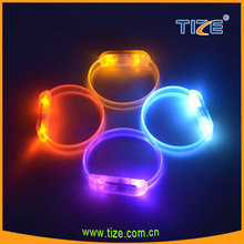 2015 new promotion gifts with sound activated dancing led wrist band wristband led