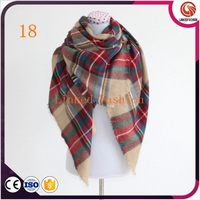 100% acrylic material high quality winter design woman tartan scarf