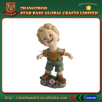 Cute boy home decoration new arrival good resin little baby figurines