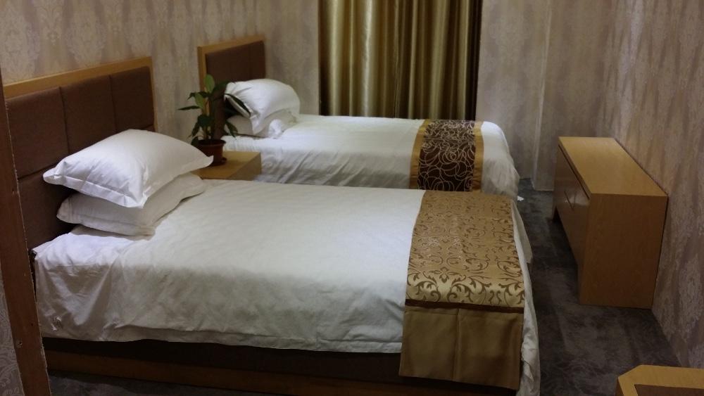 Chambre d 39 h tel meubles h tel meubles pour vente h tel de for Meuble 5 etoile soukra