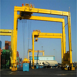 Multipurpose 100 ton straddle carrier w/ favorable performance