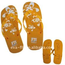 cheap slippers with die-cut logo and screen printing for 2012
