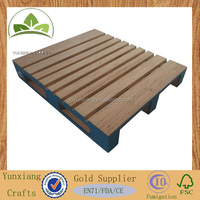 Small wooden pallets