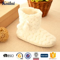 2015 factory ISO white furry boots snow with bead piece