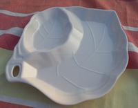 Melamine Divided Dinner Plate With Leaf Shape