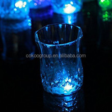 LED wine Glass 8oz with lights for Christmas /Bar/Party liquid/200ml wine active led cup ,light up wine glass/led cup light