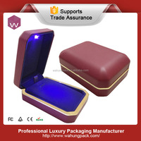 Popular LED red leather box with light for pendant (WH-S-113)