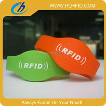 Custom Design RFID HF Silicone Wristbands/Bracelets/Wristlets for Sports, Events,Water Parks, Party and Access Control
