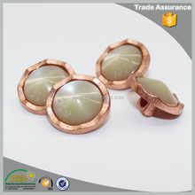 Fashion in stock women custom made metal sewing button for shirts