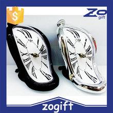 ZOGIFT Novelty Lovely Creative Hot Sale Plastic Quartz Dali Melting Desktop Clock