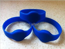 Free Samples Sillicone T5577 NFC Bracelet/Wristband for Swimming Pool