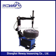 Low cost tyre changer for car