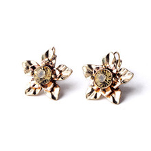 New Arrival 2015 Hot Sale Champagne Crystal Cluster Flower Retro Stud Earrings Simple Dress Jewelry Factory alibaba express Who