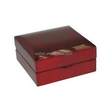 2015 The Square High Glossy Luxurious Red Wooden Gift Case