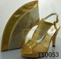 Fashion design Gold Italian shoes matching bag with rhinestone 2015
