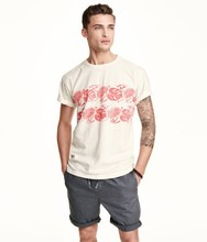 Man plain short sleeve O-Neck T-shirt with Printed Design at front