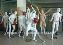 Fiberglass lifelike sports male basketball mannequin for sale