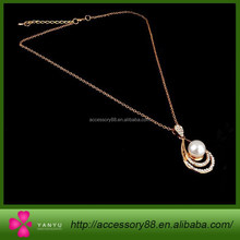 Luxury elegant water-drop pendant necklace gold chain latest design pearl necklace