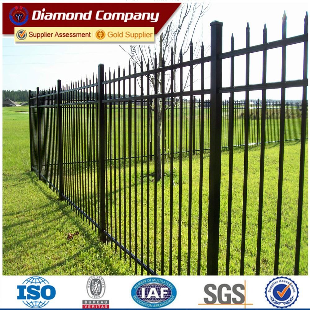 Tubular steel fence bar horizontal