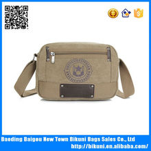 Latest sports bags girls and boys fashion hiking bag canvas cheap messenger bag made in China