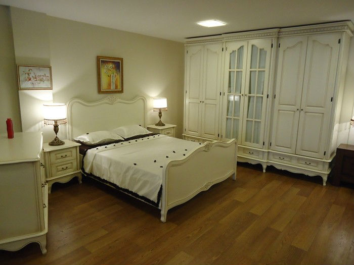 Laura ashley conjunto de dormitorio identificaci n del for Muebles ballesta baza