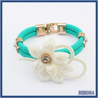 2015 new arrival elegant fashion handmade pearl beaded artificial flower black leather bracelet