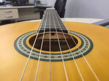 Entry level 39 inch classic nylon string guitar for beginners