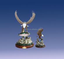 resin flying blade eagle animal figure eaglr trophies for office decoration