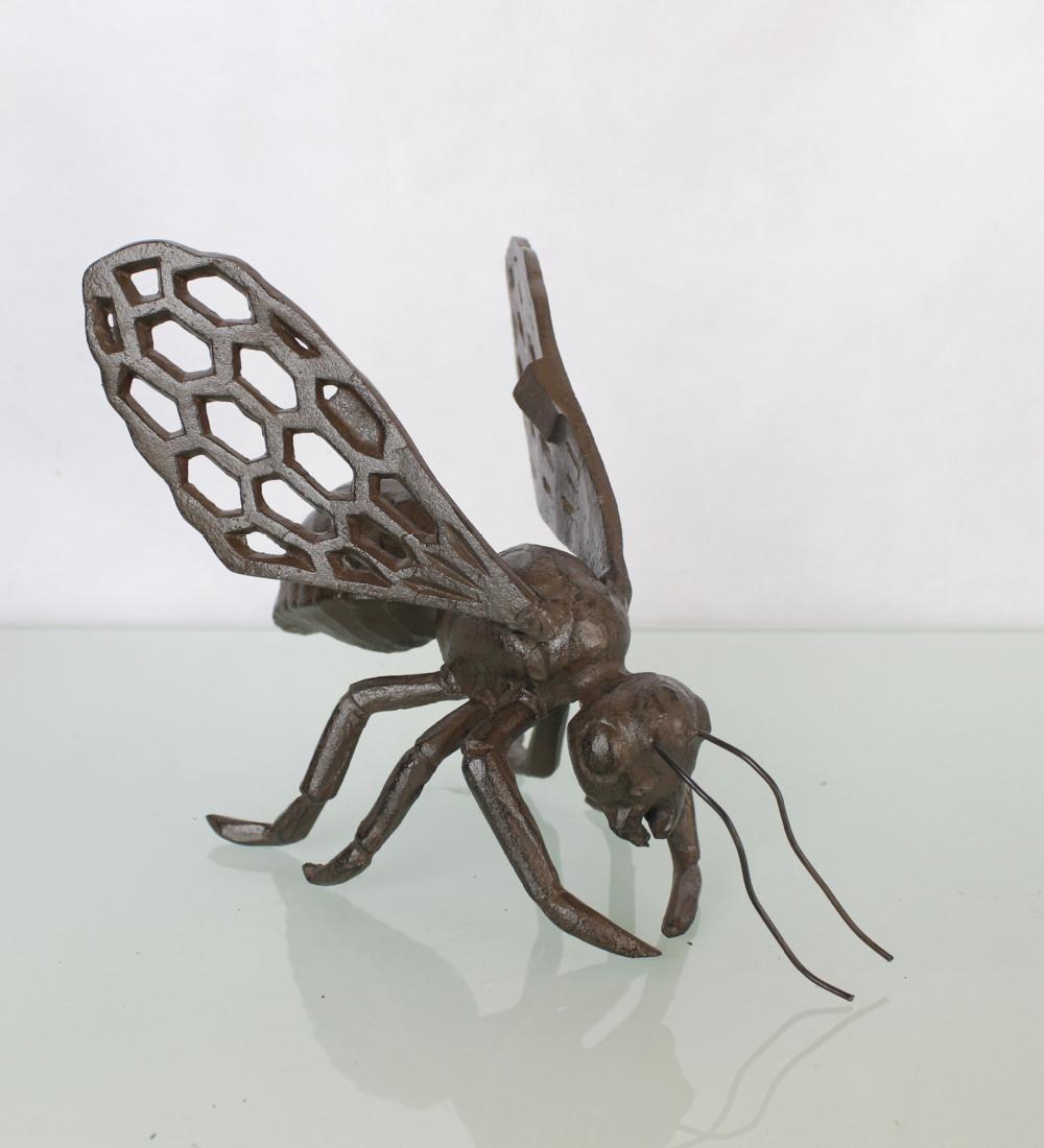 Cast iron bumblebee sculpture for garden decoration view garden sculptures for sale metal - Wrought iron garden sculptures ...