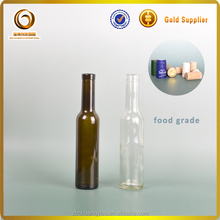 Chinese high quality wholesale mini glass bottle with cork