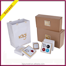 Round cardboard gift boxes