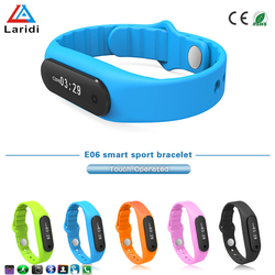 Wholesale kids led screen bluetooth smart bracelet watch E06 for android and ios