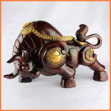 Lucky Lunar New Year ornaments resin crafts cattle town house auspicious feng shui ornaments gifts Chinese wind