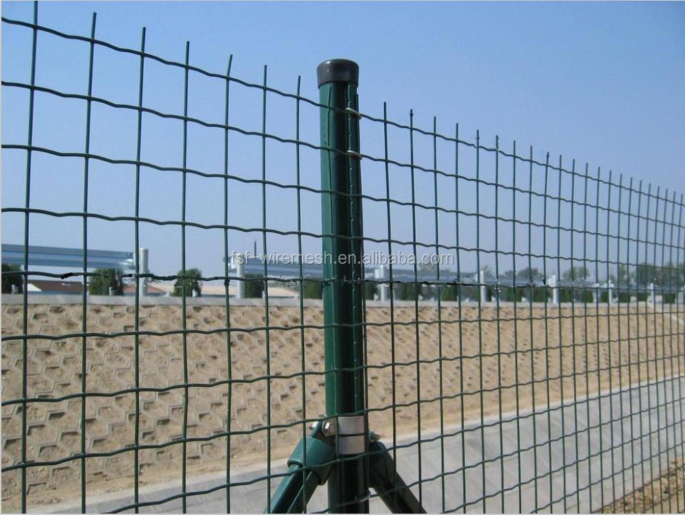 Quot pvc coated welded wire mesh fence