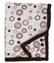 Durable Pink Circle Everyday Easy Printed Cora Fleece Blanket, Home Decor Fashion Cover