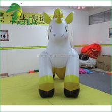 Inflável cavalo amarelo crianças brinquedos dos desenhos animados boneca