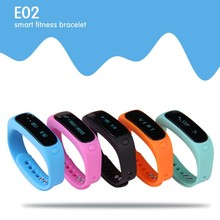 Factory 180 days standby/265 days data retention/IP67 waterproof E02 vibrating alarm clock bracelet, bracelet child alarm
