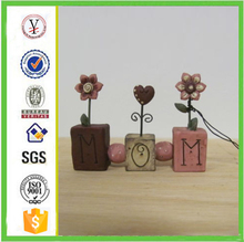 factory custom-made handmade carved fashion resin mothers day decorations