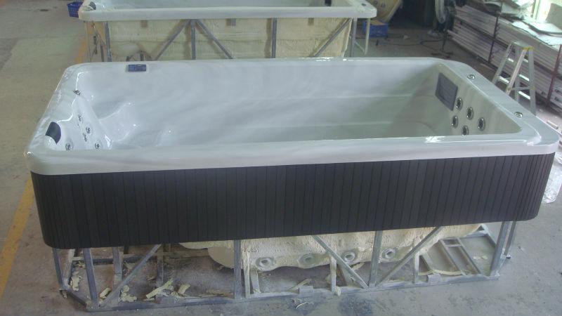 hot bath tub.JPG
