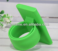 FL2196 2013 Guangzhou hot selling silicone wristband case with stand function for ipod nano 7