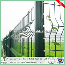 Plastic welded wire mesh panel garden fence