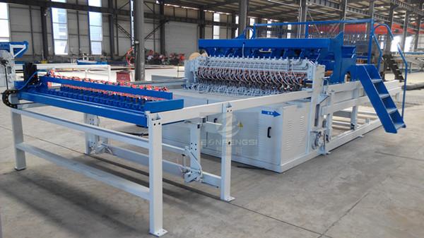 Welding machine for fence panel.jpg