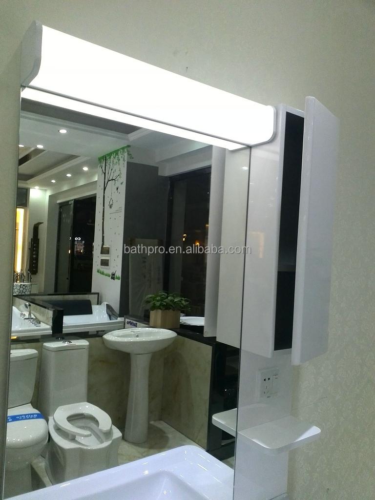 Commerciële schuifdeur ted badkamer spiegel met licht, ontwerpen ...