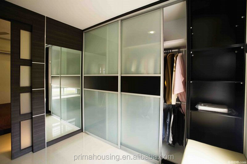 Modern bedroom wardrobe designs indian bedroom wardrobe for Latest cupboard designs