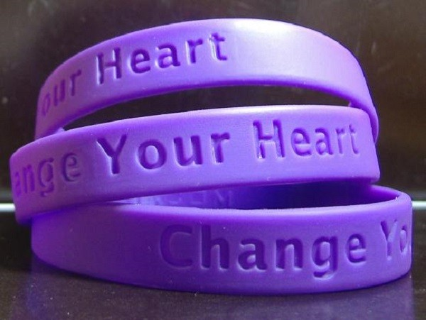 debossed silicone wristbands  (14).jpg