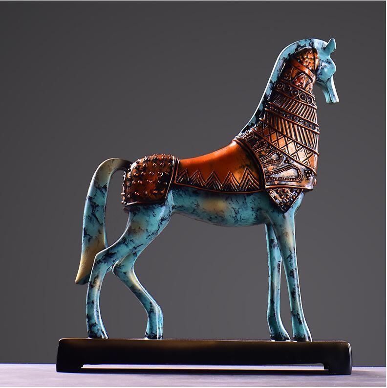 horse figurine 2