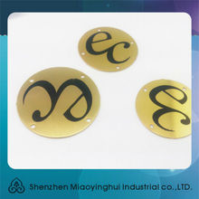 China wholesale screen printed popular gold metal round tags