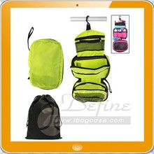 Super portable built-in hanger hook hanging travel toiletry bag